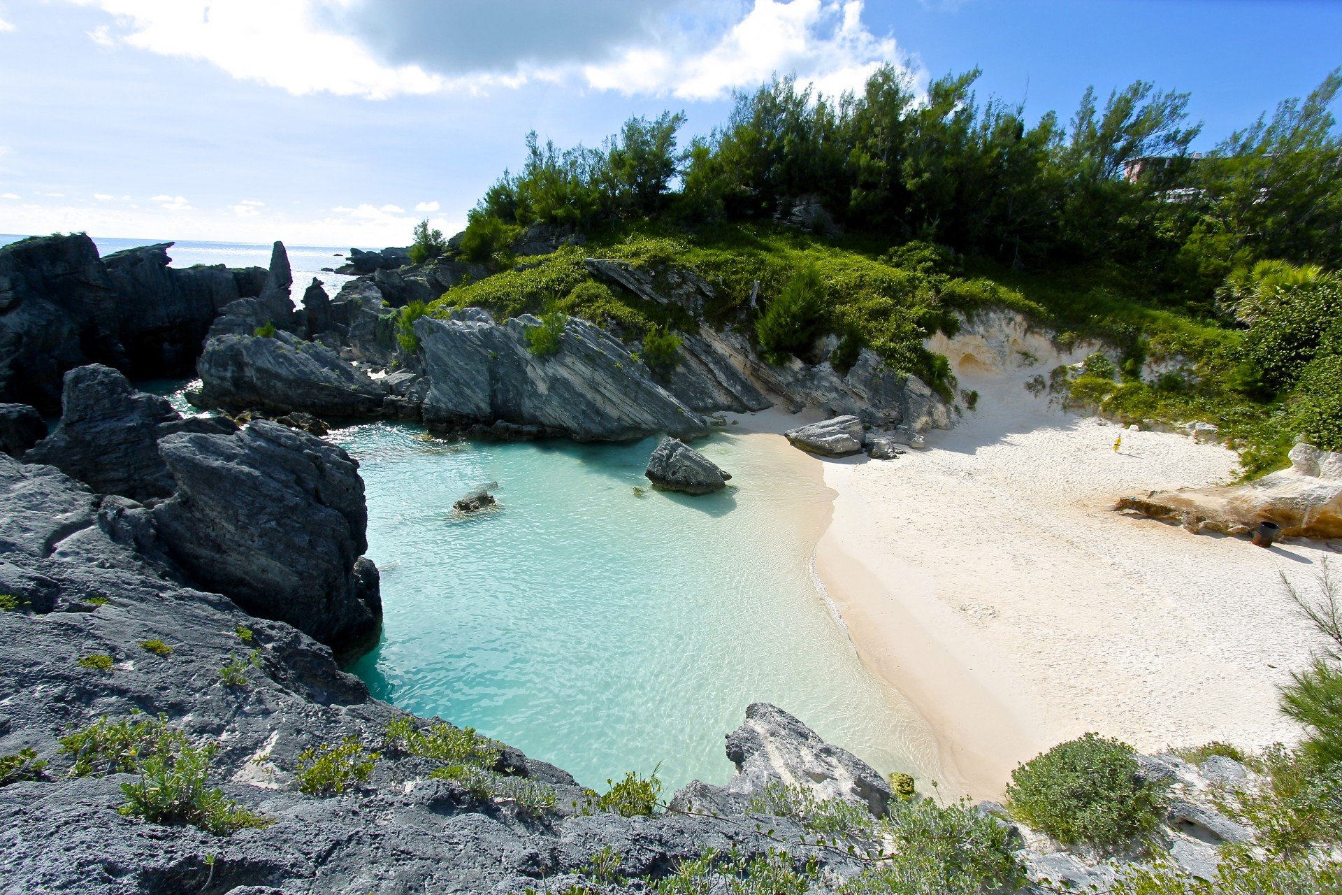 landscape photo looking down at Horsehoe Bay beach in Bermuda