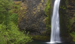 Horsetail Falls in Columbia River Gorge, Greater Portland Region.