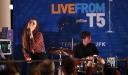 Ryn Weaver: Live From T5